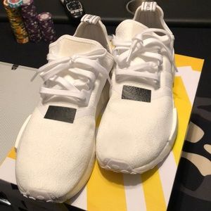 White - Adidas - BOOST - VERY Gently worn - Store